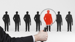 Всеки служител следва да бъде оценяван спрямо заслугите и мотивиран, тогава когато има обективна възможност за това